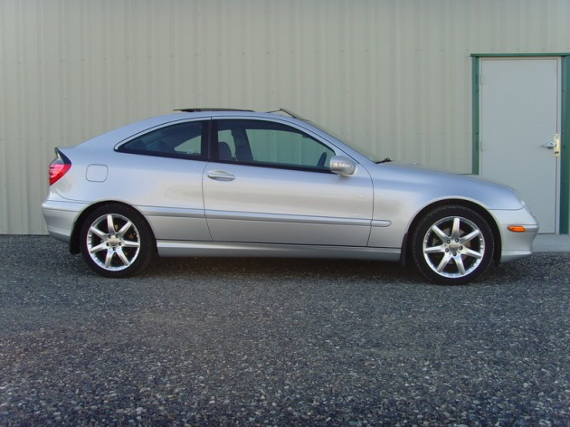 Nico review 2002 mercedes benz c230 kompressor car and for Mercedes benz hatchback c230