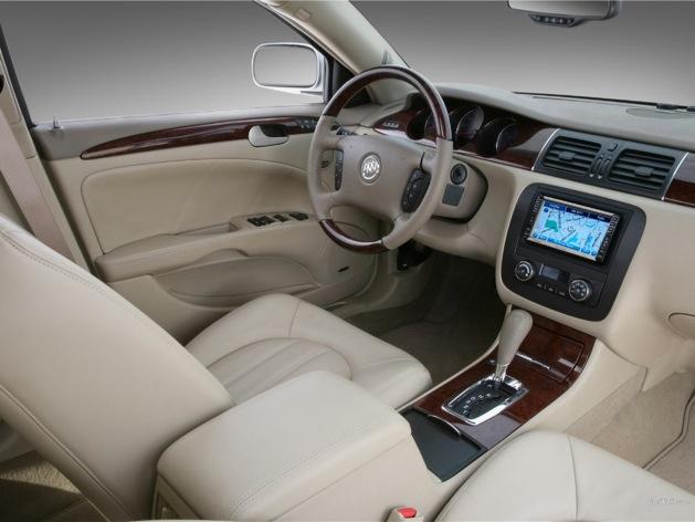 wpid-buick-Lucerne-interior-2011-11-7-22-58.jpg