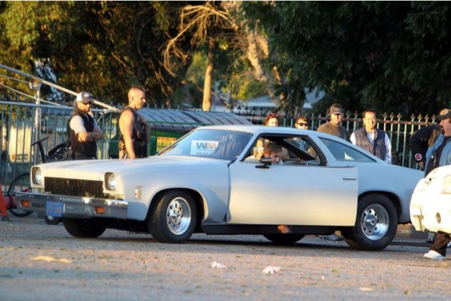 wpid-ryan-gosling-drive-set-10282010-01-820x546-2012-03-11-05-07.jpg