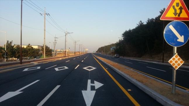 wpid-6_car_road_South_Korea-2014-06-20-03-49.jpg