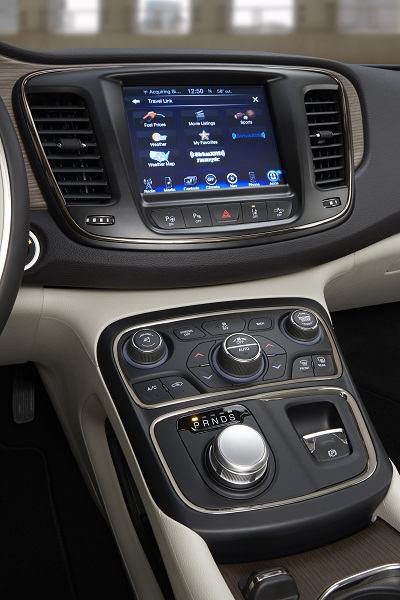 wpid-Chrysler-200-Uconnect-2015-09-17-22-50.jpg