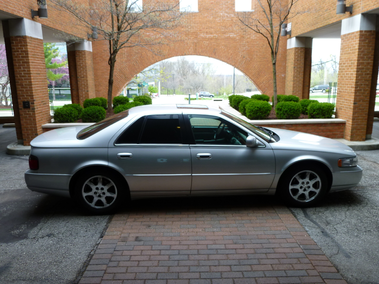 review and video 2001 cadillac seville sts car and truck reviews reviews jesda com cars travel etc 2001 cadillac seville sts car